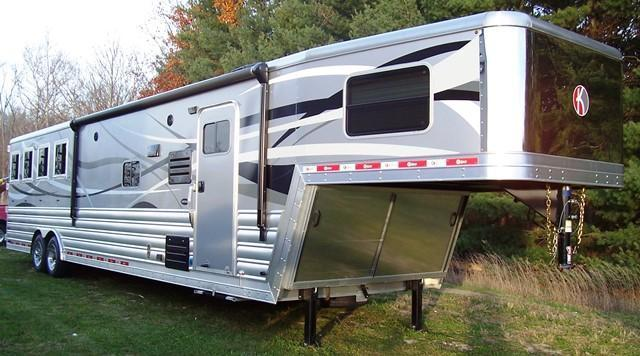 2017 Kiefer Manufacturing Kiefer G8154 with 15.5 LQ Horse Trailer