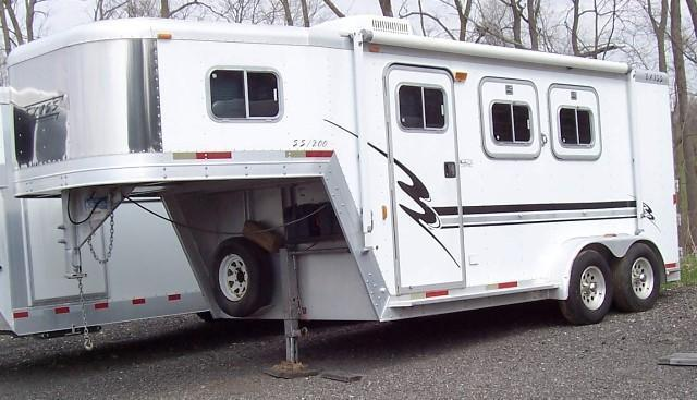 2001 Exiss Trailers Event w/Finished Weekend Pkg Horse Trailer