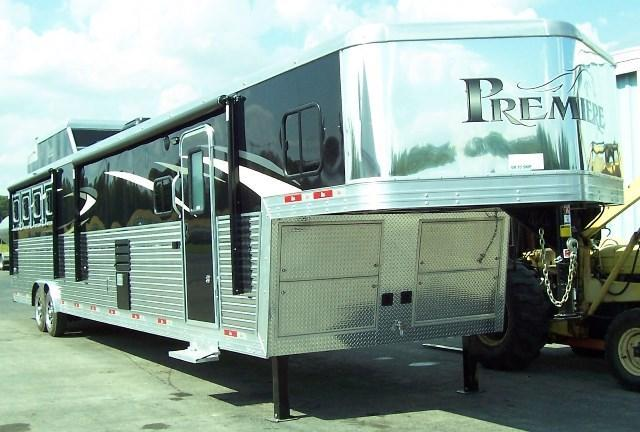 2018 Bison Trailers 8417 Premiere w/Full Length Alum. Floor Horse Trailer