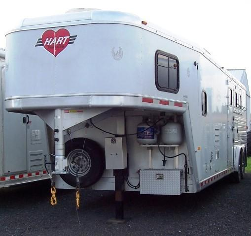 2003 Hart Trailers Showtime 10 FT LQ Horse Trailer