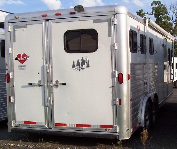 2003 Hart Trailers Showtime 10 FT LQ Horse Trailer