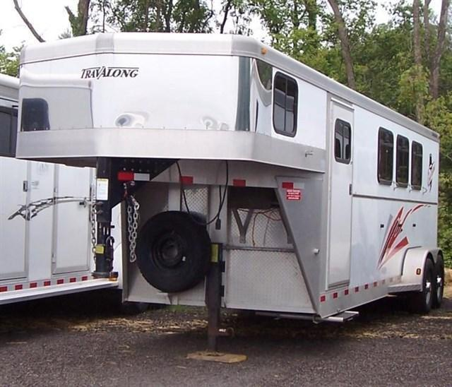 2004 Travalong Outlaw w/ 6 ft DR Horse Trailer