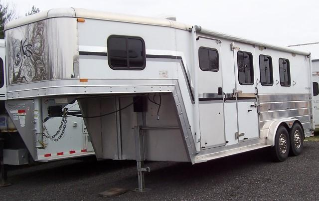 2005 Kiefer Manufacturing Gensis X3 Horse Trailer