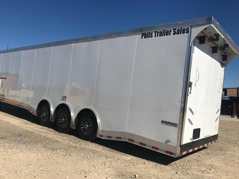 Enclosed trailer  40' gooseneck Continental Cargo Auto Master Car / Racing Trailer