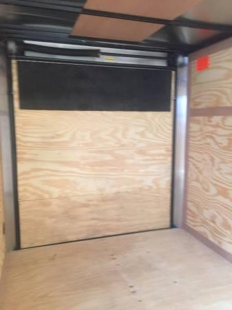 Continental Trailers 6x12 v nose ramp Cargo / Enclosed Trailer