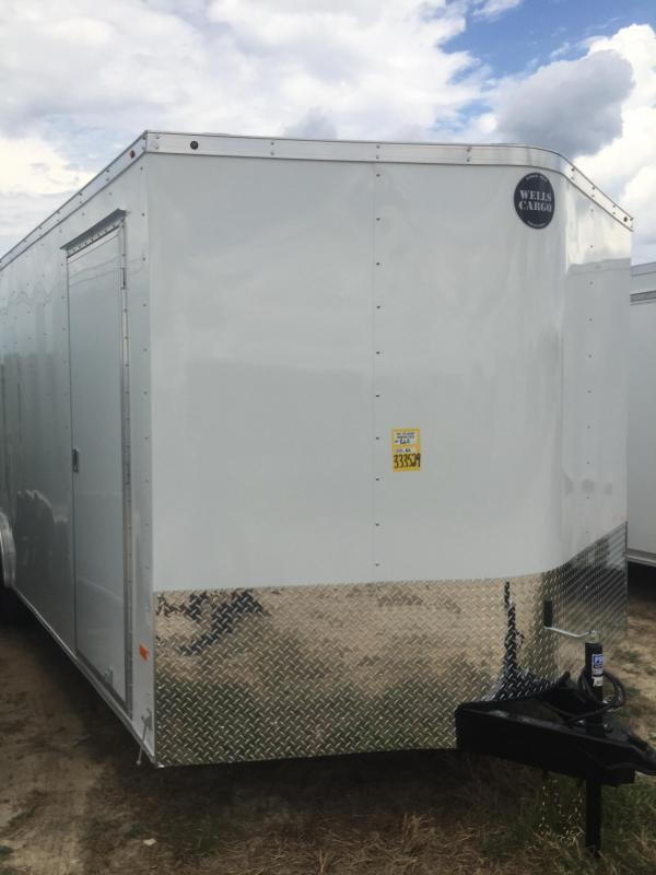 2017 Wells Cargo Enclosed trailer 8.5x24 v Road Force Cargo / Enclosed Trailer