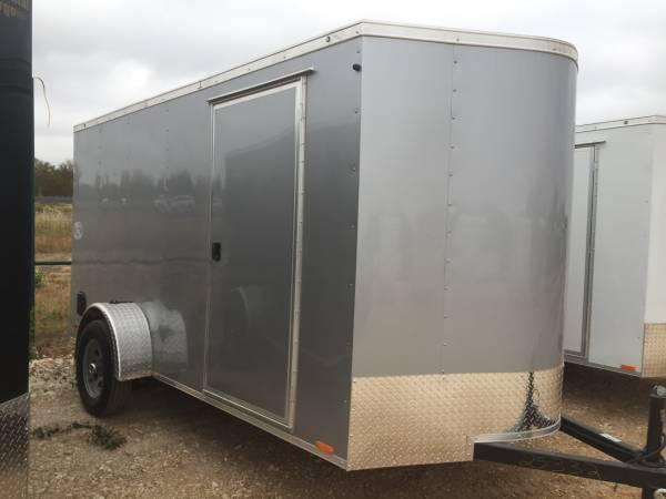 Continental Trailers 6x12 v nose ramp Cargo / Enclosed Trailer*