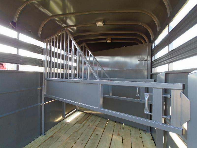 2018 Valley Trailers 3 Slant Load Horse/ Livestock Trailer