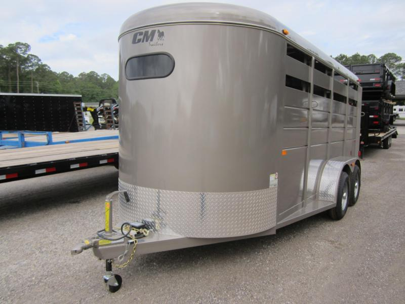 CMH0833-16 CM 6' X 16' (3)-HORSE DAKOTA W/ (2) DIVIDERS W/ TACK ROOM AND FLOOR MATS