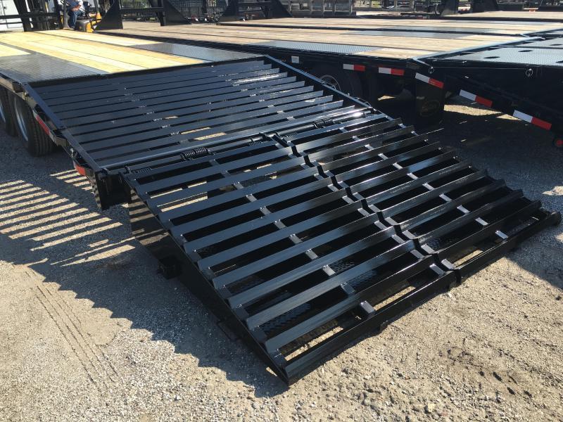 FB3020G TEXAS TRAILERS 30' GOOSENECK DECK OVER FLATBED W/ MEGA RAMPS & LOAD RANGE G TIRES
