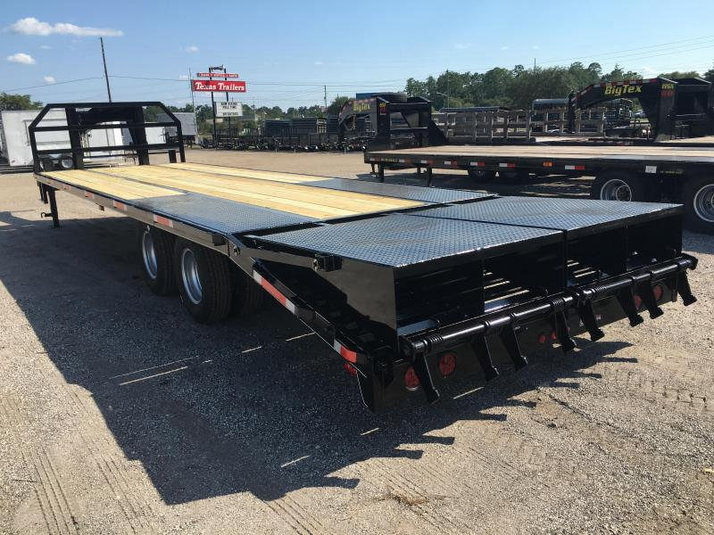 FB3020G TEXAS TRAILERS 30\' GOOSENECK DECK OVER FLATBED W/ MEGA RAMPS ...