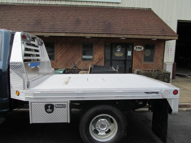 Hillsboro 2500 Series Aluminum Flatbed Horse Stock
