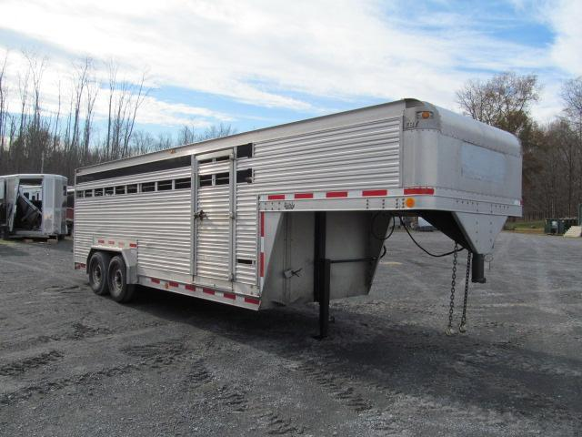 1992 Eby Trailers 7 X 20 GN Stock Livestock Trailer