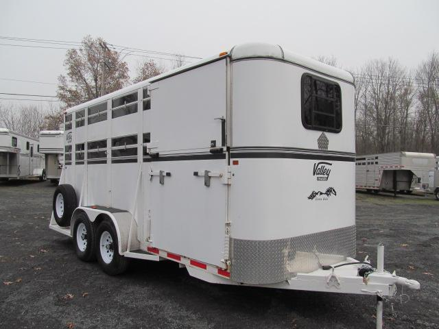 2010 Valley Trailers 17 Ft Livestock Trailer