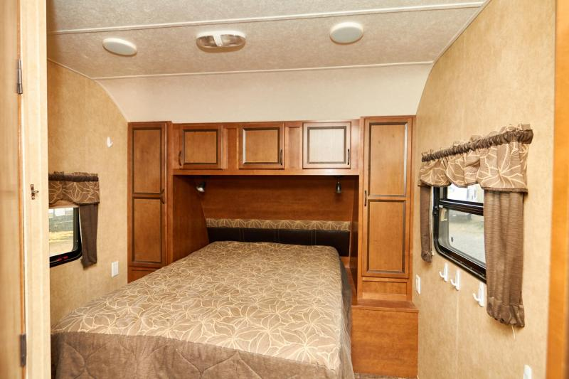 2013 Augusta RV 29 RL Travel Trailer