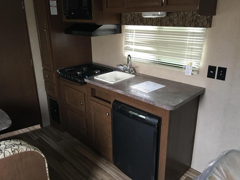 2017 Forest River Oasis 18FQ