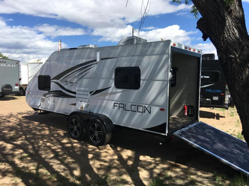 Beautiful 2017 Coachmen Catalina SBX 261BHS Travel Trailers For Sale
