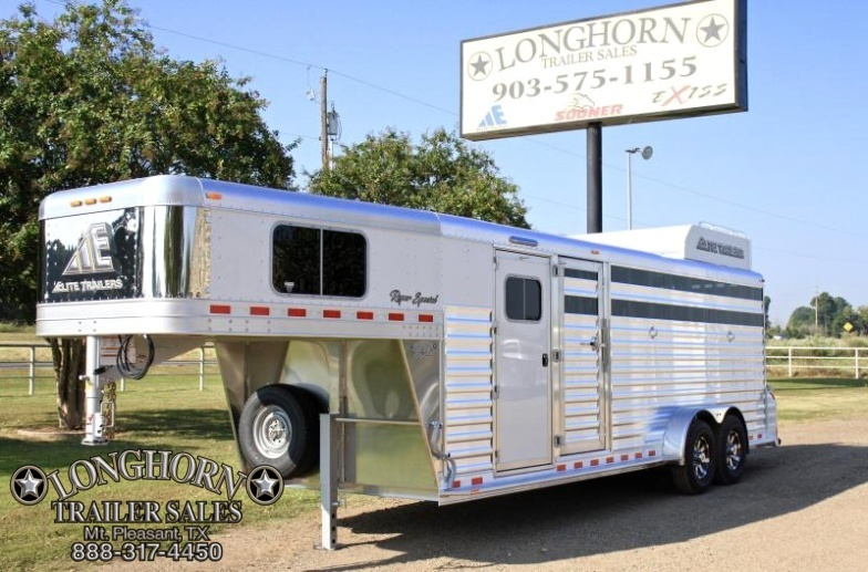 2018 Elite Roper Special 4 Horse with Double Door Tack