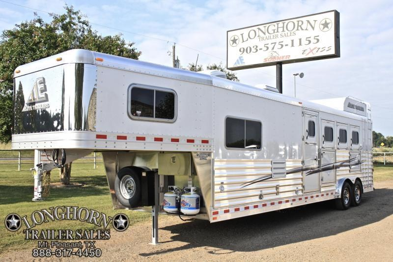 2018 Elite 4 Horse 10.8ft Shortwall with Mangers