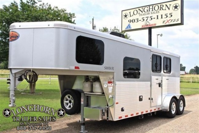2018 Sundowner Trailers 2 Horse with Full Living Quarter Horse Trailer