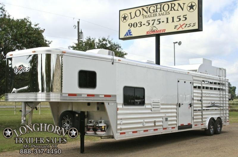 2017 Exiss 10' Shortwall Stock Living Quarters with Onan