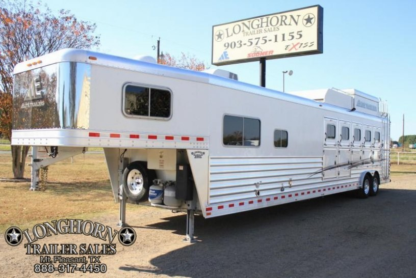 2016 Elite  5 Horse 14 LQ w Bunk bed