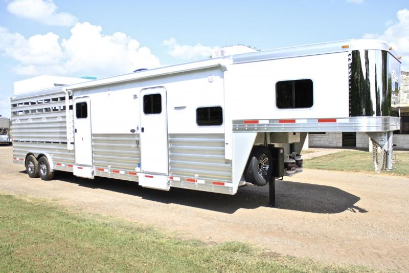 2018 Exiss 10.6ft Living Quarter with Midtack and Stock