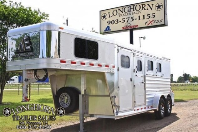 2017 Elite Trailers 3 Horse with Drop Windows on the Head and Tail Horse Trailer