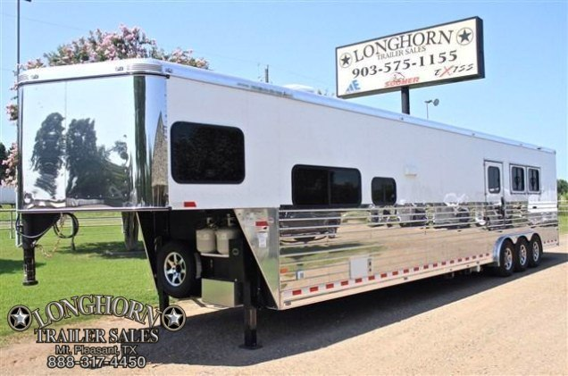 2015 Sundowner Trailers 3 Horse/Toy Hauler with 19 Living Quarter