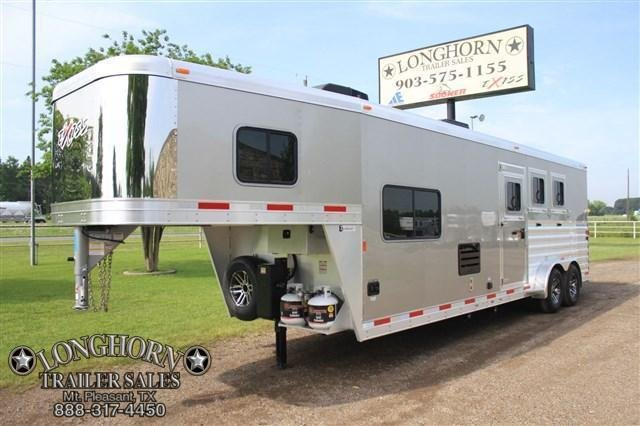 """2018 Exiss Trailers 3 Horse 10'6"""" Living Quarter with Electric Awning Horse Trailer"""