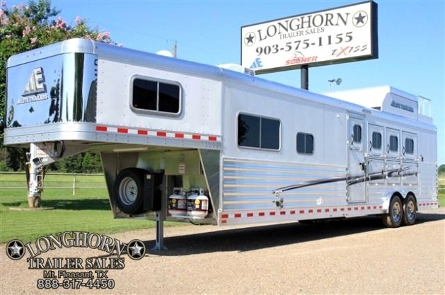 "2017 Elite 4 Horse 13"" Shortwall *Side Load*"