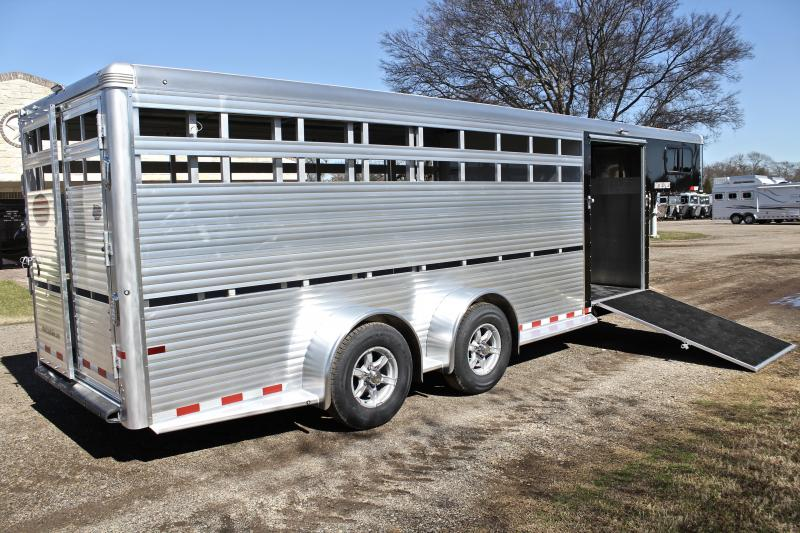 2018 Sundowner 21ft Show Cattle with 5ft Tack Room