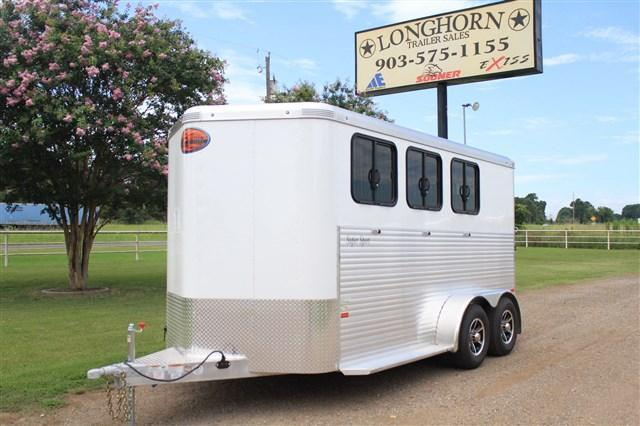 2018 Sundowner Trailers 3 Horse with Running Boards (Kickwall Both Sides)