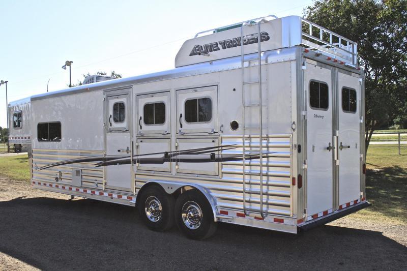 2018 Elite 3 Horse 10.8'' Shortwall with Generator