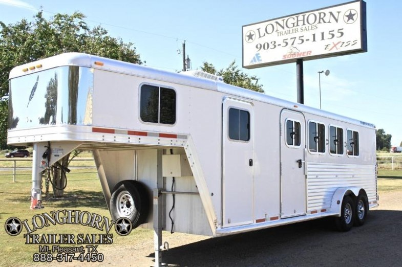 2004 Featherlite 4 Horse with Weekend Package