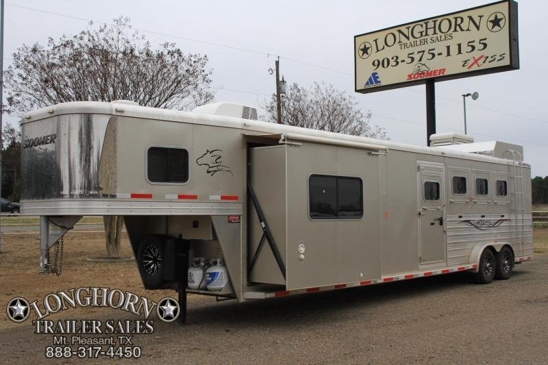 2014 Sooner 4 Horse 11 Lq w/ Slide out / Generator