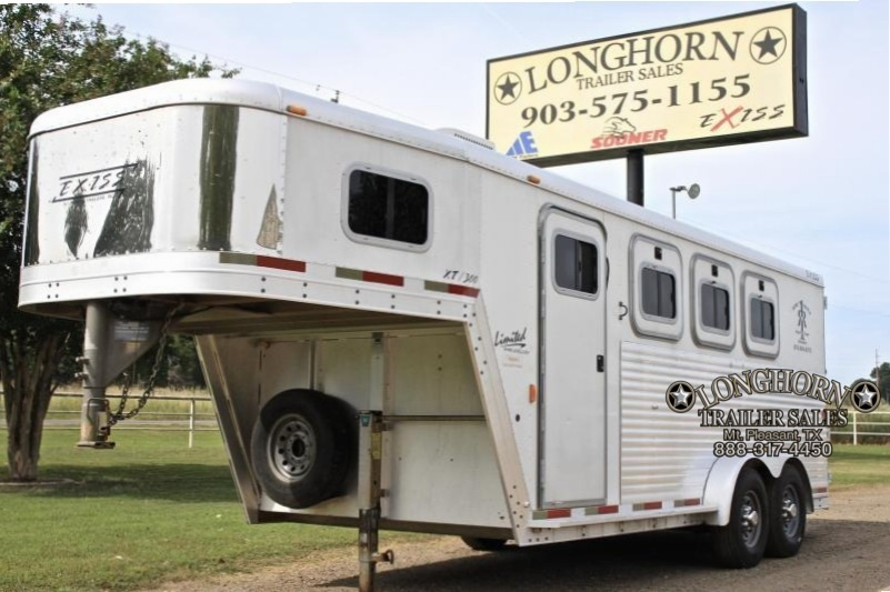 2003 Exiss 3 Horse with Front Tack Room + TV