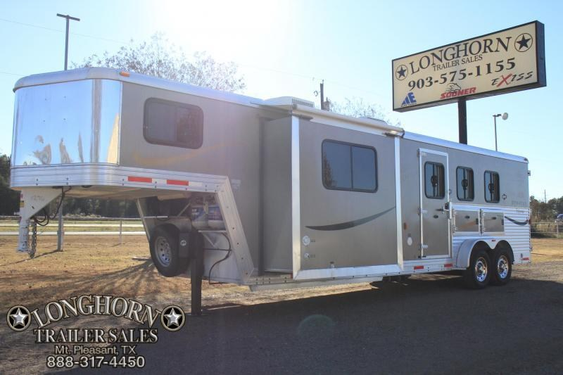 2012 Bison 3 Horse 12 Lq/ slide out
