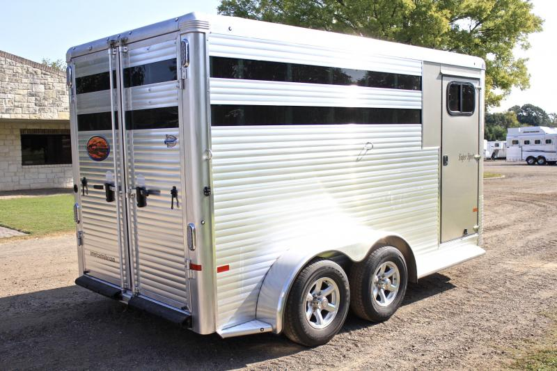 2018 Sundowner3 Horse with Running Boards (Kickwall Both Sides)