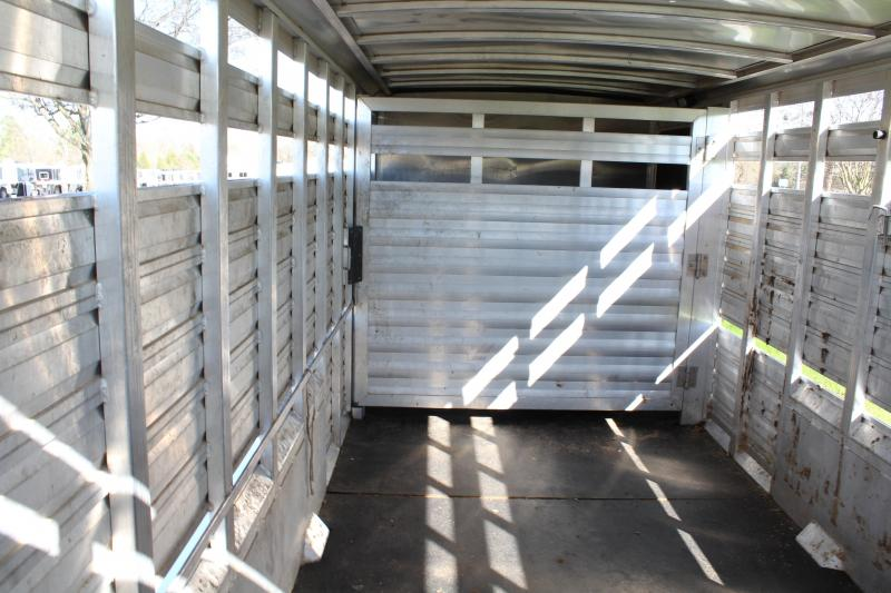 2014 Exiss 24ft Show Cattle Combo with 6ft Tack Room