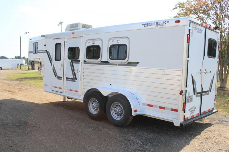 2003 Cherokee 3 Horse with a 4ft Weekend Package Horse Trailer