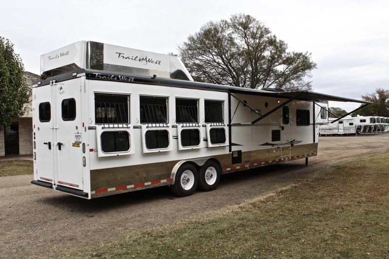 2015 Trails West  4 Horse with a 15ft Shortwall Generator