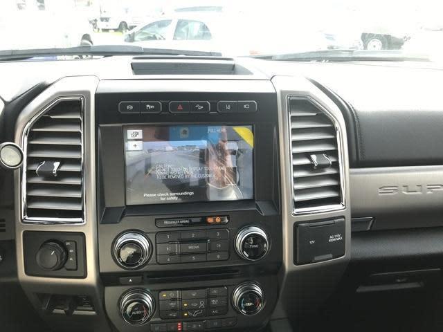 2017 Ford Platinum F-450 Truck