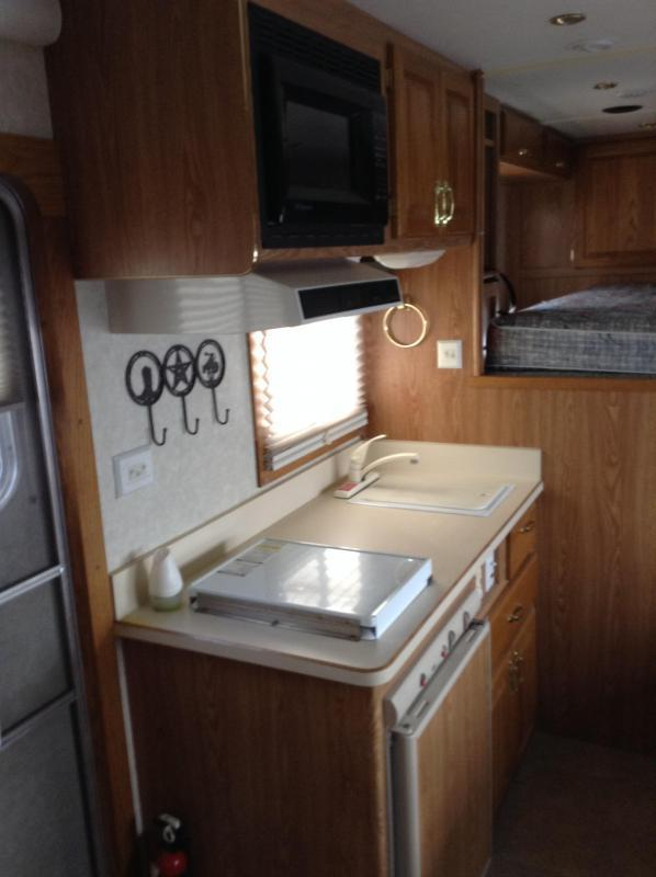 2003 Featherlite 8581 4 Horse 10' Short Wall