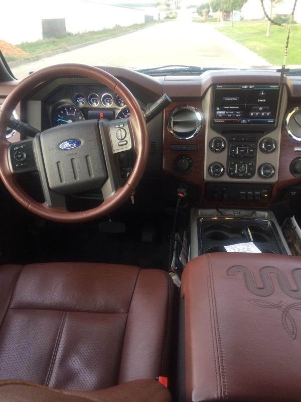 2014 Ford F-450 Super Duty King Ranch Truck