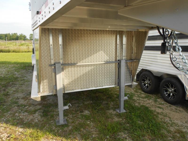 2017 Barrett Trailers SSGN-307066 Livestock Trailer