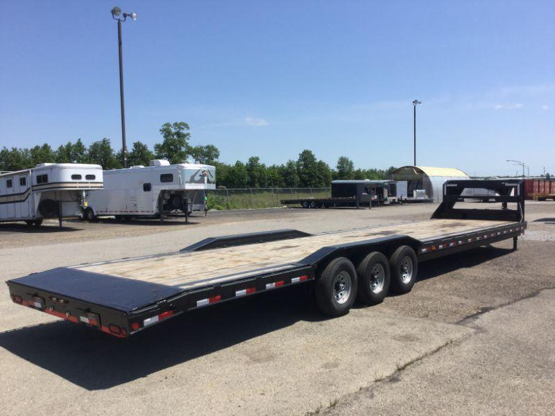 2017 Load Trail 40'GN Equipment Trailer