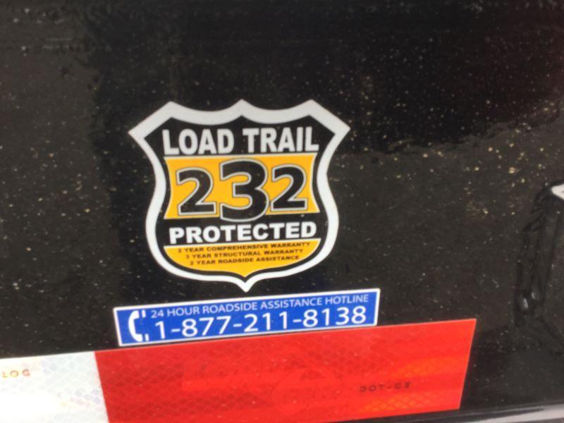 2017 Load Trail TH8322072 Equipment Trailer