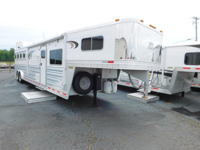2015 Platinum Coach PC414MGLQ Horse Trailer