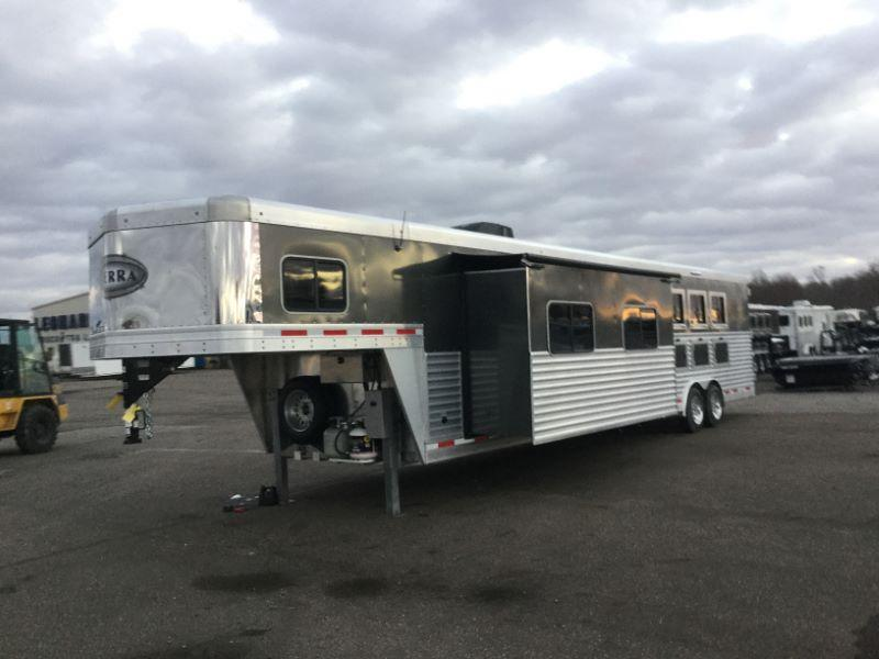 2017 Other 8416LQSL Horse Trailer